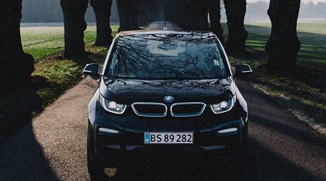 Bu BMW'nin üretiminde yüzde 100 yenilenebilir enerji kullanıldı