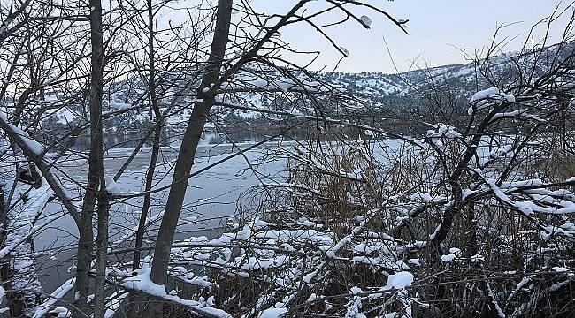 Eymir Gölü donmaya başladı