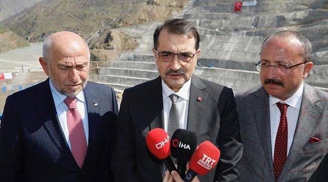 Siirt'te barajı inceledi