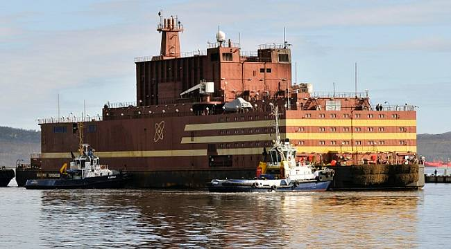 The floating nuclear power plant of the Russians starts commercial activity