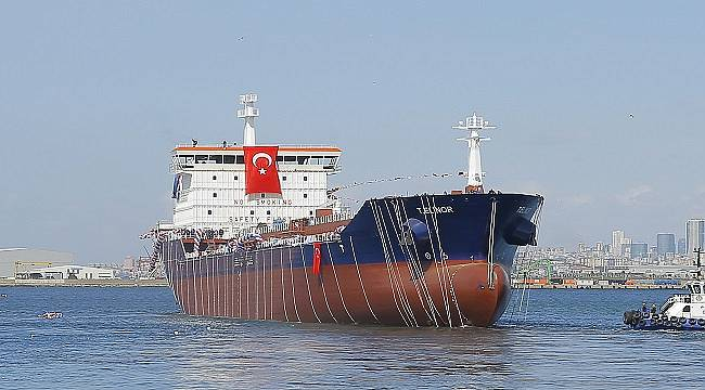 Tanker denize indirildi