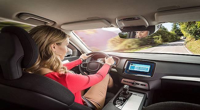 Bosch Üretti: Şarj istasyonlarıyla konuşan ve park ücreti ödeyen otomobil
