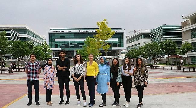 'Genç Fikrin Enerjiye Dönüşsün' yarışmasında dereceye giren öğrencilerini tebrik etti