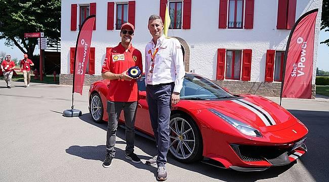 Ferrari tarafından tavsiye edilen yakıt: Shell V-Power'ı DeneVHisset