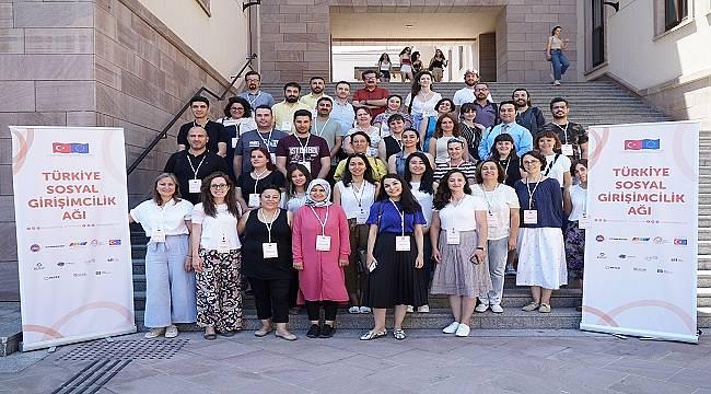 Koç Üniversitesi: Türkiye Sosyal Girişimcilik Ağı kapsamında sosyal girişimcilik eğitimi verdi