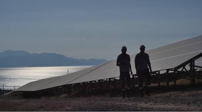 Van Gölü Kıyısında 37 MW'lık Güneş Santrali kurdu
