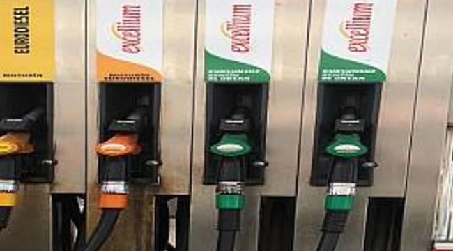 Benzin ve motorin ucuzladı: İşte yeni indirimler