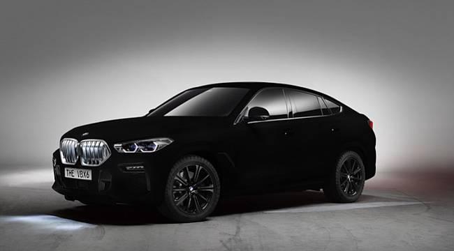 Dünyanın en siyah otomobili!