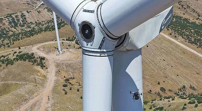 Türkiye'de Rüzgar türbinlerine insansız hava araçlarıyla bakım için anlaştılar!