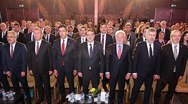 Enerji Bakanı Dönmez: Sektör temsilcileriyle bir araya geldik