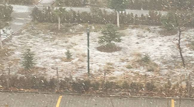 Ankara'ya yılın ilk karı yağdı (VİDEOLU)