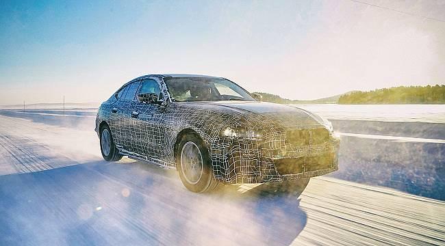 BMW'nin 25 yeni elektrikli model yollarda olacak: i4 kış testlerine devam ediyor