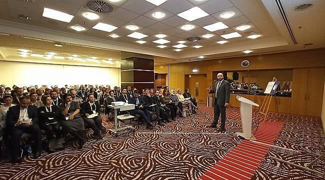 Facebook: Ankara'da kamu kurumlarına eğitim verdi