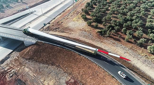 Kanatları böyle taşınıp Rüzgar Enerjisi santralleri inşa ediliyor!