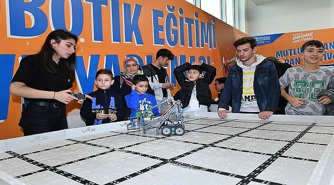 ÜSKÜDAR'DA: Robotik ve drone festivali