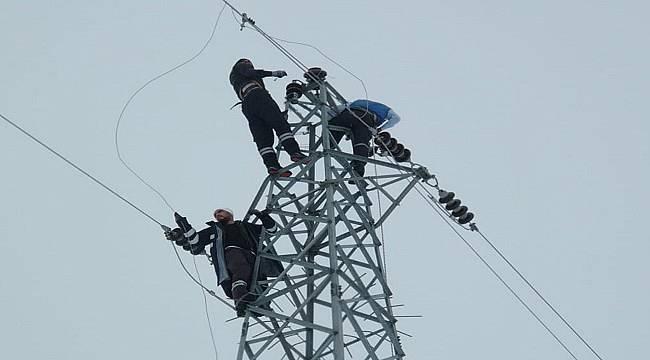 Elektrik şirketleri yılbaşı çalışması görüntüleri (FOTO HABER)
