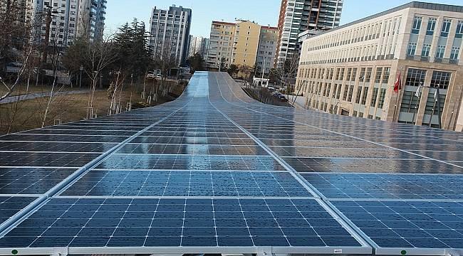 ANKARA'DA: Güneş enerjisinden elektrik üretiyor
