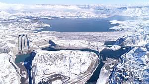 Ilısu Barajı'nı hiç karlı gördünüz mü?
