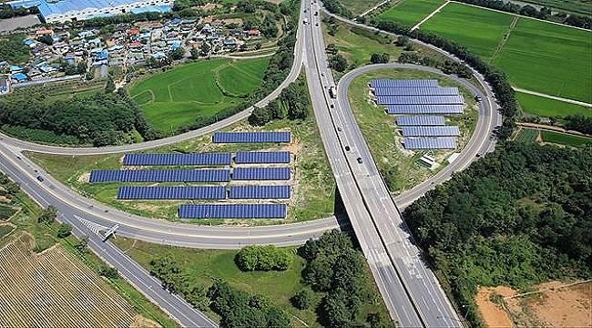 Burası Otoban - Güneşten Elektrik üretiyor!