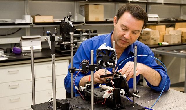 Mars'ın görüntülerini dünyaya ulaştıran kameraları tasarlayan Arizona State Üniversitesi'nden Dr. Jim Bell: Dünya 'insan türünün...