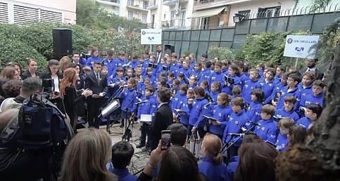 FMV Işık Okulları: Işıklı öğrenciler 'Ata'mızı' Selanik'teki evinde andı
